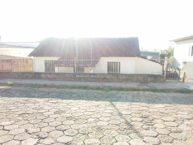 Casa para alugar com 3 dormitórios em Centro, Alterosa cod:CA00490