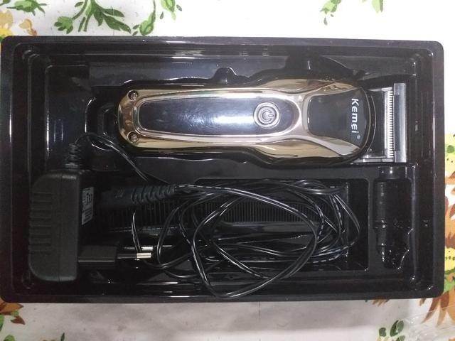 Máquina de corte Cordelles Kemei 1990 usada pouquíssimas vezes + Kit de tesoura Obopekal