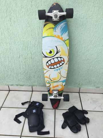 Long board Xseven c equipamentos de proteção