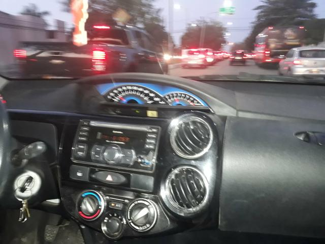 Vendo um Toyota etios 1.5 - Foto 3