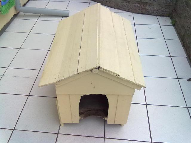 Casinha de madeira para cachorros pequenos e gatos