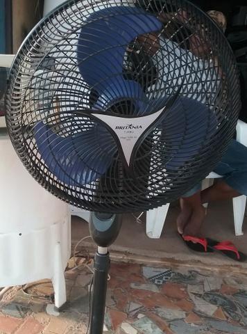 Vende-se ventilador mallory vender logo 100 reais