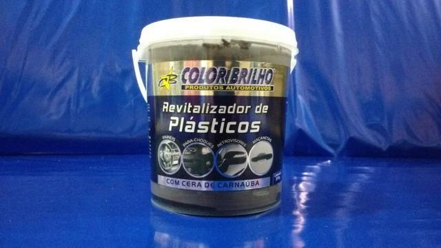 Revitalizador de plásticos (com cera de carnaúba) - 400 G