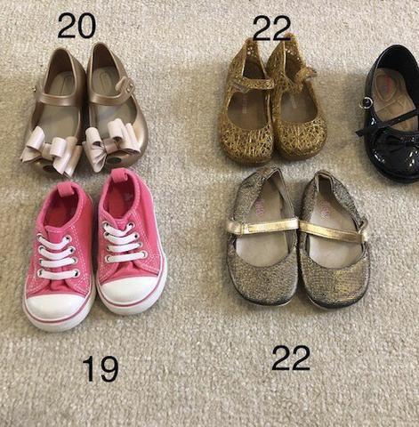 Sapato infantil 4 por R$ 50,00