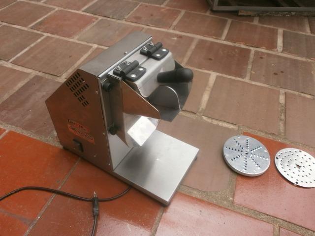 Ralador industrial - em inóx - com 3 discos - para coco, queijo , chocolate - Foto 2