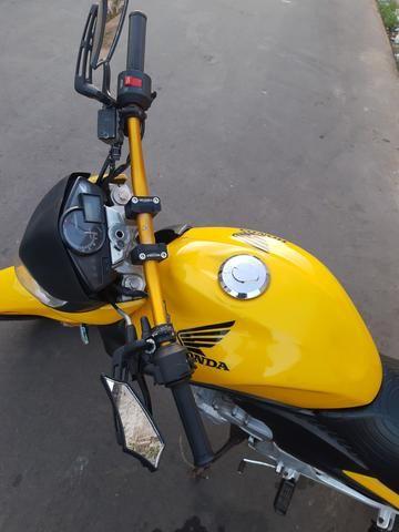Vendo Moto Honda CB 300R 2012 bem conservada por apenas R$ 6.000,00 - Foto 4