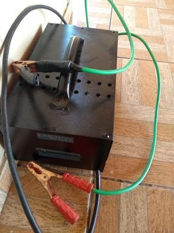 Carregador de bateria de 120 amperes