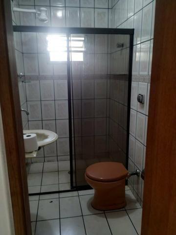 Alugo Quarto Mobiliado - Foto 3