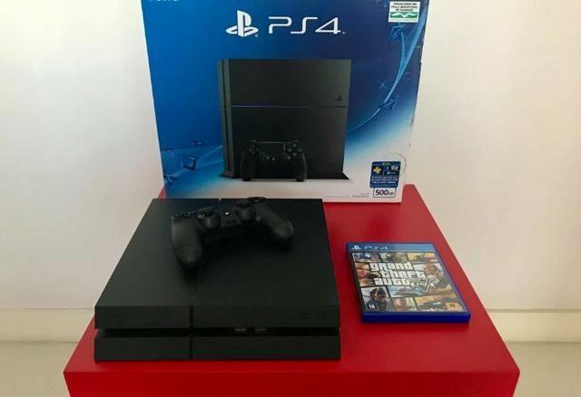 Sony Playstation 4 + jogo