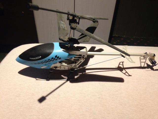 Helicóptero brinquedo