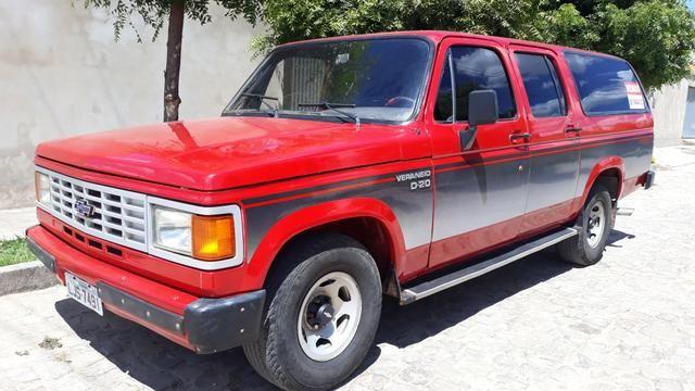 D 20 Veraneio -12 Lugares + bagageiro/Diesel - Motor Pericles 4cc /1991 -Ar Condicionado