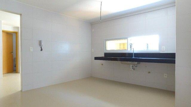 Apartamento com 300m², 4 suítes e sala para 3 ambientes a com vista para o mar de Jatiuca - Foto 11