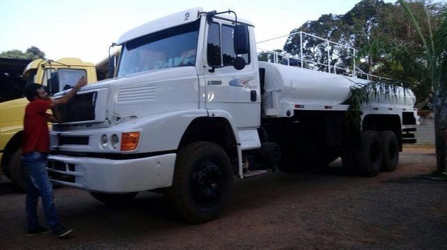 Vendo 1620 ano 2000/000.troco por um caminhão cargo816 ou no 8150 volks