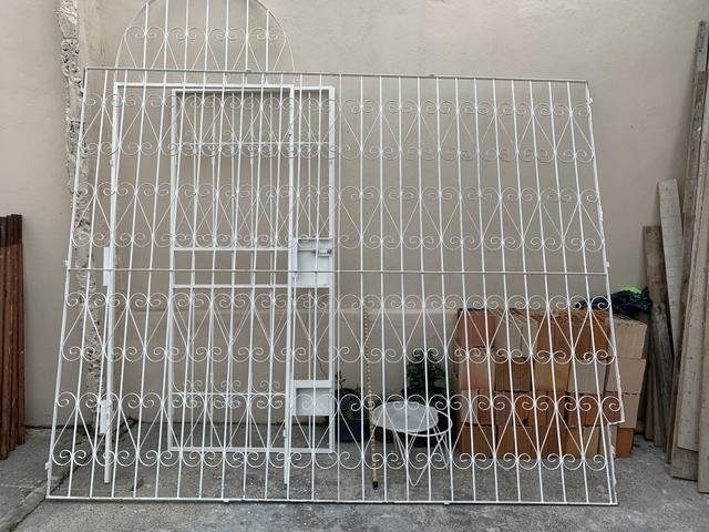 Grade e portão de ferro