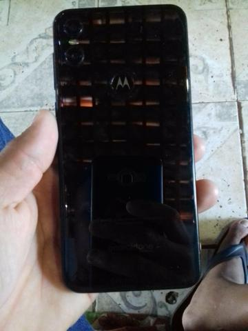 Vendo Motorola one baratinho só tá com alto Falante queimado e a tela trincada um pouco