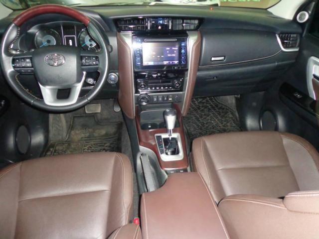 Toyota Hilux SW4 SW4 2.8 SRX AUT. 4X4 7 LUGARES - Foto 4