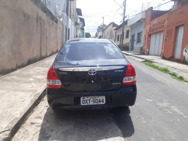 Vendo um Toyota etios 1.5 - Foto 2