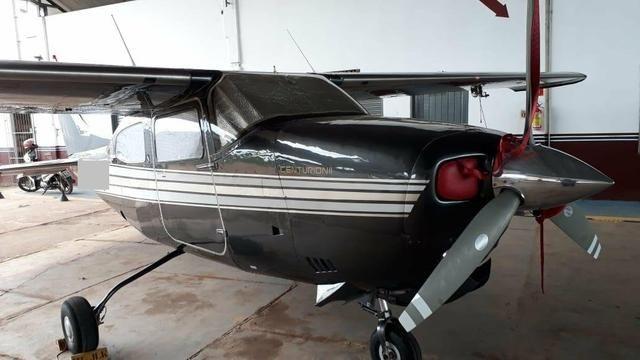 Cessna C-210M - Foto 2