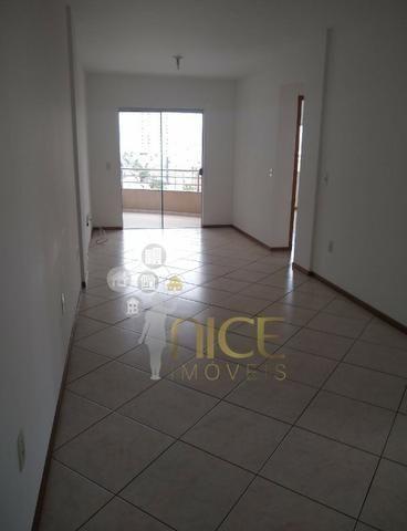 Amplo apartamento com 01 suíte + 01 dormitório no centro de Itajaí