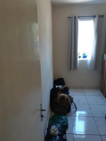 Oportunidade em André Carloni, apartamento com dois quartos, por apenas 90 mil