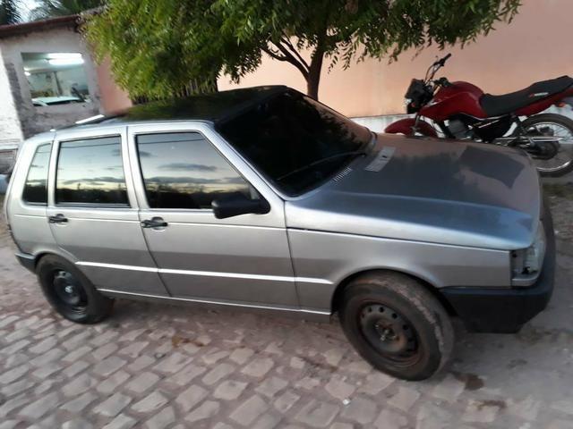 Vende-se Fiat uno 2002 com som de mala - Foto 2