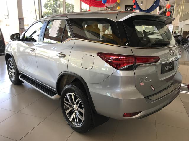 Toyota Sw4 SRX 2.8 Diesel 4x4 - 2020/2020 Lince Toyota Flamboyant - Foto 3