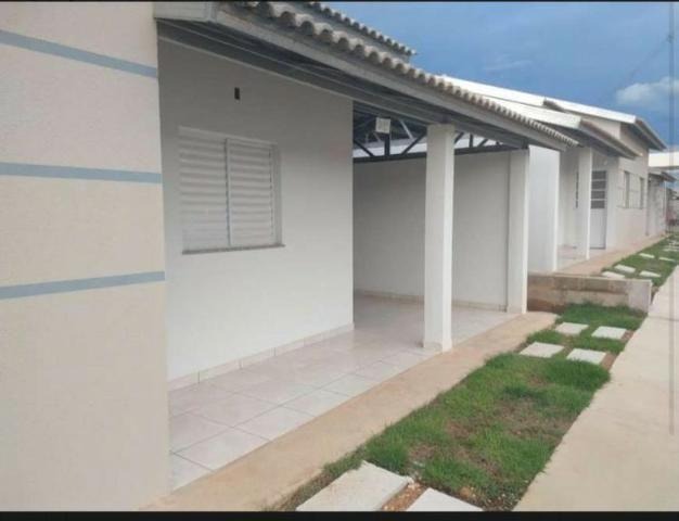 Vende-se Casa no Condomínio Humaitá, com 2 Quartos