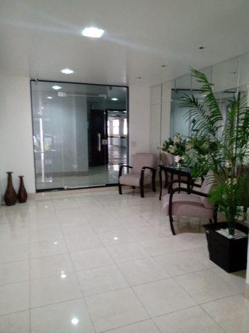 8062 | Apartamento para alugar com 4 quartos em Zona 07, Maringá - Foto 7