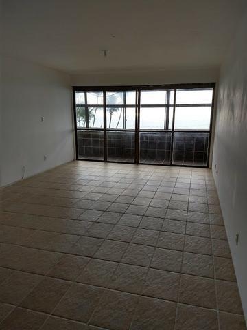 Apartamento na Beira Mar de Piedade com 4 Quartos sendo 1 Suíte - Foto 8