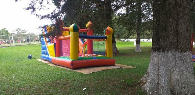 Aluguel de brinquedos , mesas cadeiras e infláveis - Foto 5