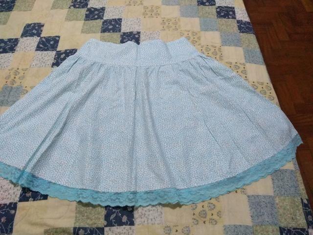 Saia floral azul com renda 38/40 - Foto 3