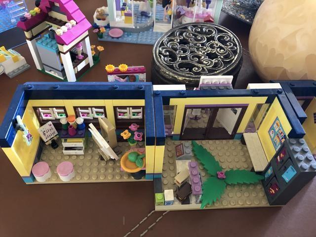 Piscina com escorregador da Lego - Foto 3