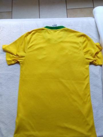 Camiseta do Brasil Nike tamanho P - Foto 2