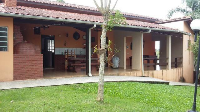 No Caputera - Chácara 2040 m² - toda murada- ótima casa - IPTU em dia - Foto 4