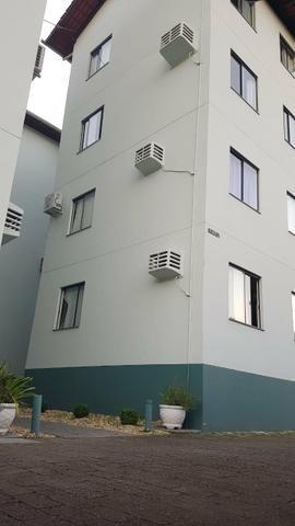 Apartamento de três dormitórios Água Verde - Foto 2