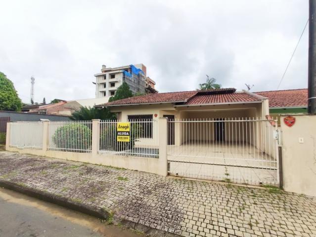Casa para alugar com 3 dormitórios em Costa e silva, Joinville cod:04038.001
