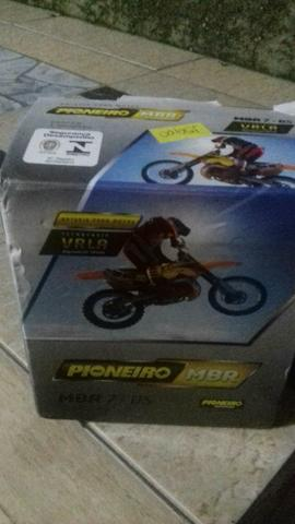 Vendo bateria pra moto
