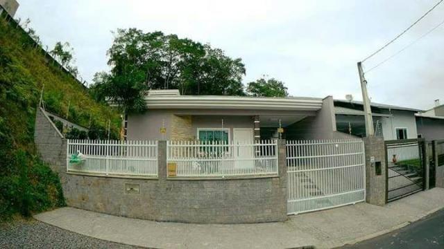 Casa à venda com 3 dormitórios em João costa, Joinville cod:1678
