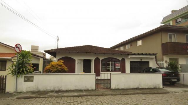 Casa à venda com 3 dormitórios em Bucarein, Joinville cod:2201 - Foto 2