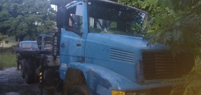 Mercedez 1218 truck com munck