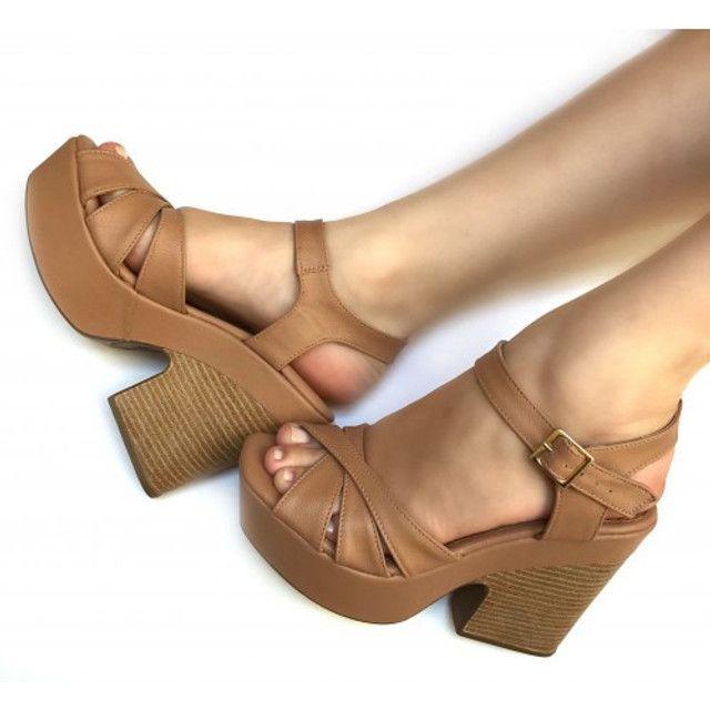 Sandálias diversas