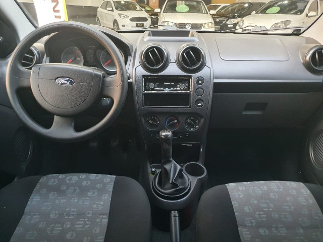 Ford Fiesta Hatch Class 1.6 8v 4P - Completo - Foto 8