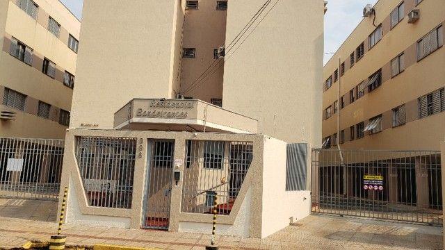 Apartamento Mobiliado bairro Bandeirantes com 02 quartos. - Foto 2