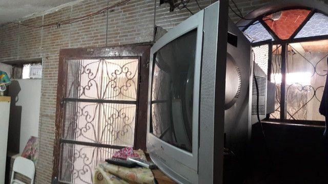 Televisão grande e conservada - Foto 3