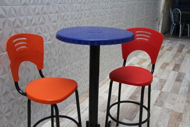 Mesa com duas banquetas - nova - Foto 2