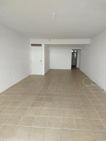 Apartamento na Beira Mar de Piedade com 4 Quartos sendo 1 Suíte - Foto 12