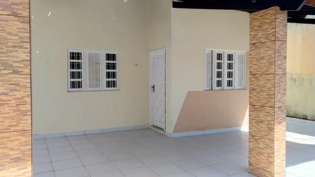 Vendo casa condominio fechado av Maria Lacerda