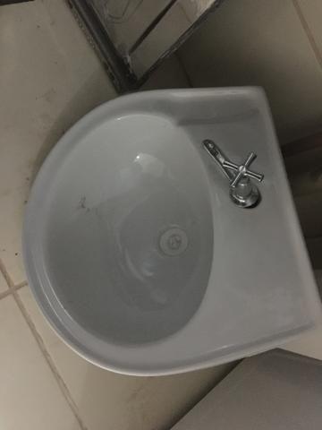Pia NOVA p/ banheiro COM TORNEIRA - Foto 3