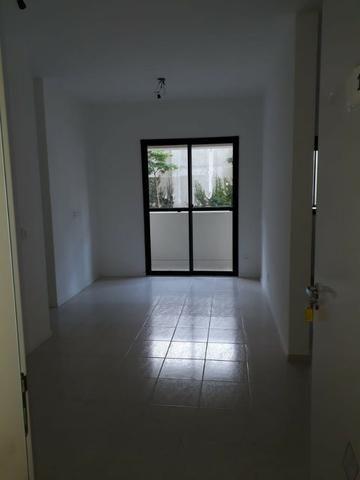 Del Castilho, 2 quartos com suíte, varanda, lazer, junto ao Nova América! - Foto 14