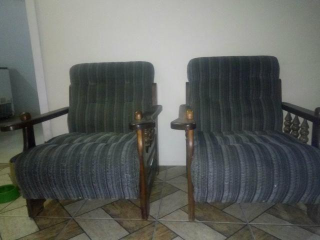 Duas poltronas rústicas/coloniais